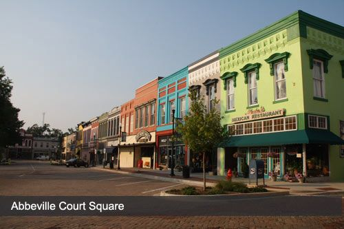 Lots Of Unique Shopping On Court Square In Abbeville Sc Love It Here Abbeville County Abbeville South Carolina