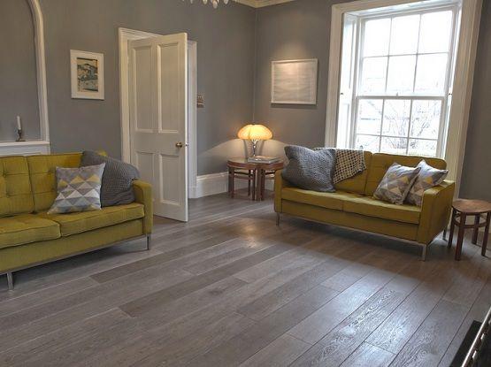 Grey Wood Laminate Flooring For A Beauty Room Grey Wood Floors