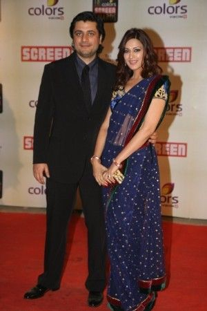 sonali-bendre-with-husband-goldie-behl-at-18th-annual-colors