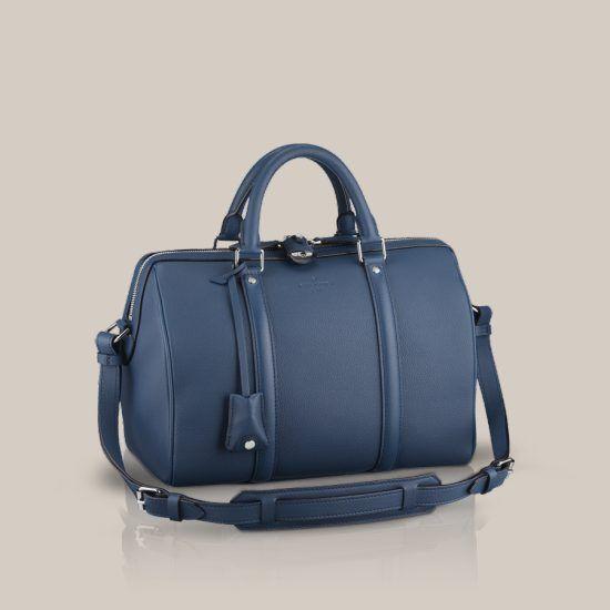 LOUIS VUITTON Site Officiel France - Explorez le monde de Louis Vuitton,  ses collections femme et homme, son histoire, ses valeurs et son  savoir-faire. 5e4a0a65183