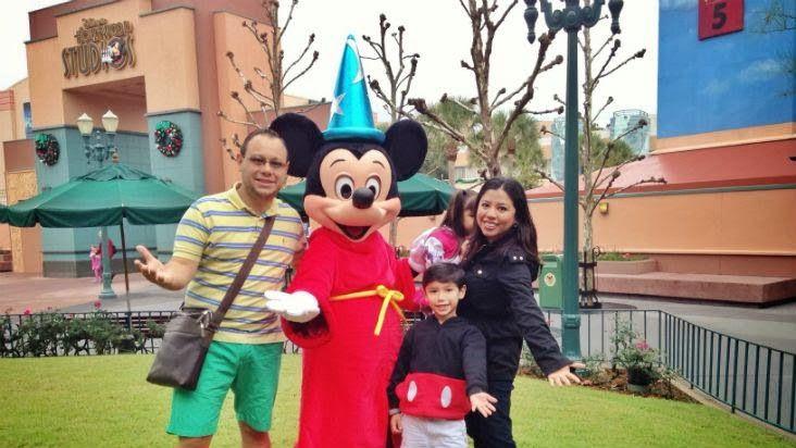 Mamá de Alta Demanda: Mi experiencia en el Meet & Greet con Mickey Mouse