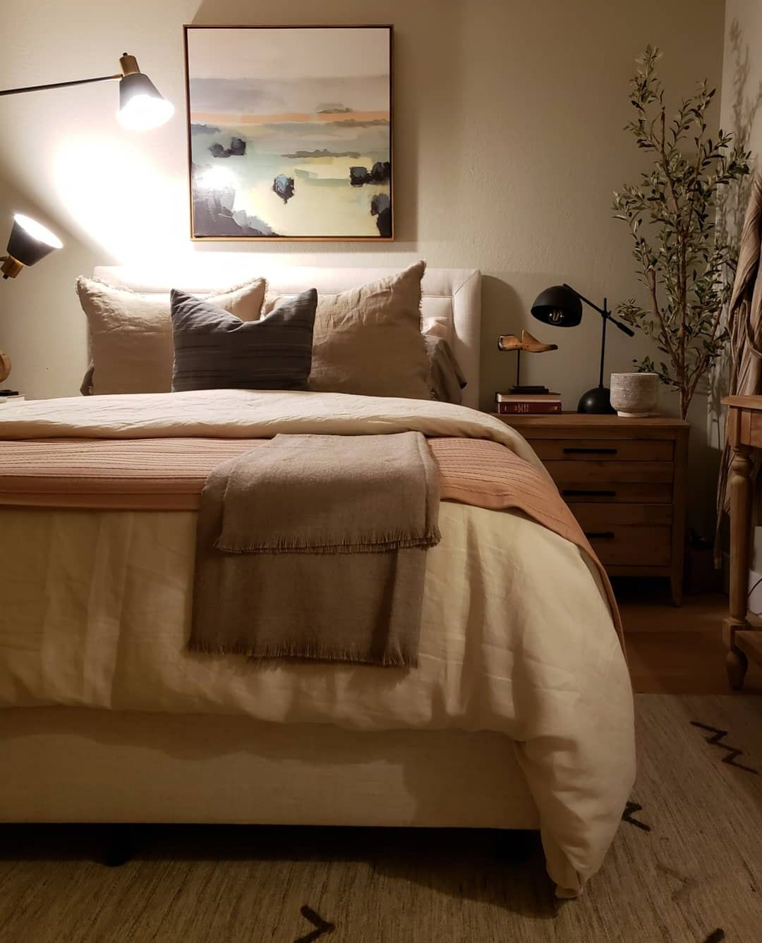 Cosy Bedroom Ideas For A Restful Retreat: A Summer Retreat For Our Guests With The Company Store
