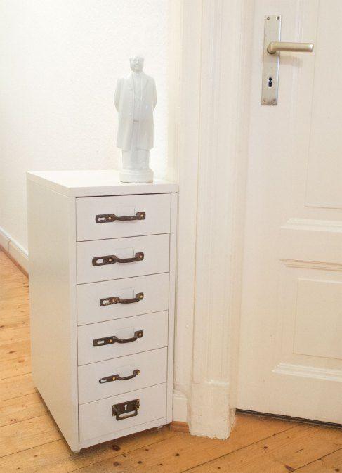 ikea hack aka ein helmer mit neuen griffen gro spurig mit ikea hack tituliert ikea hack. Black Bedroom Furniture Sets. Home Design Ideas