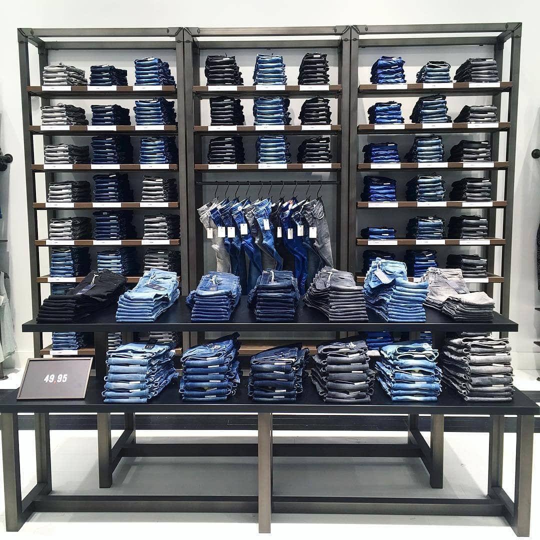 Jeans wall #windowdisplay #visualmerchandising #visualmerchandiser