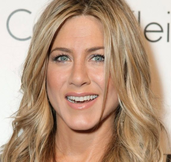 jennifer aniston hair color get this look from dior how to get jennifer aniston hair