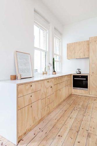 Offene Küche mit Dielenboden und Sperrholz Front Fussboden - bilder in der küche