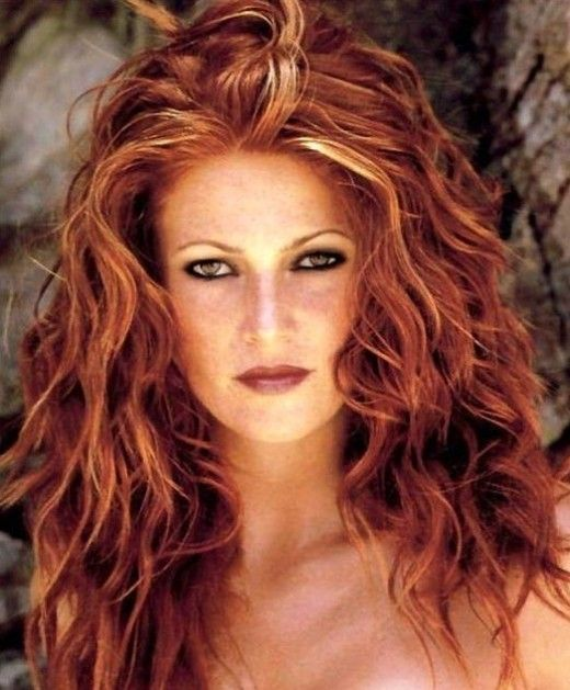 Red Hair With Blonde Highlights Get The Look At Home Red Blonde Hair Red Hair With Blonde Highlights Blonde Highlights