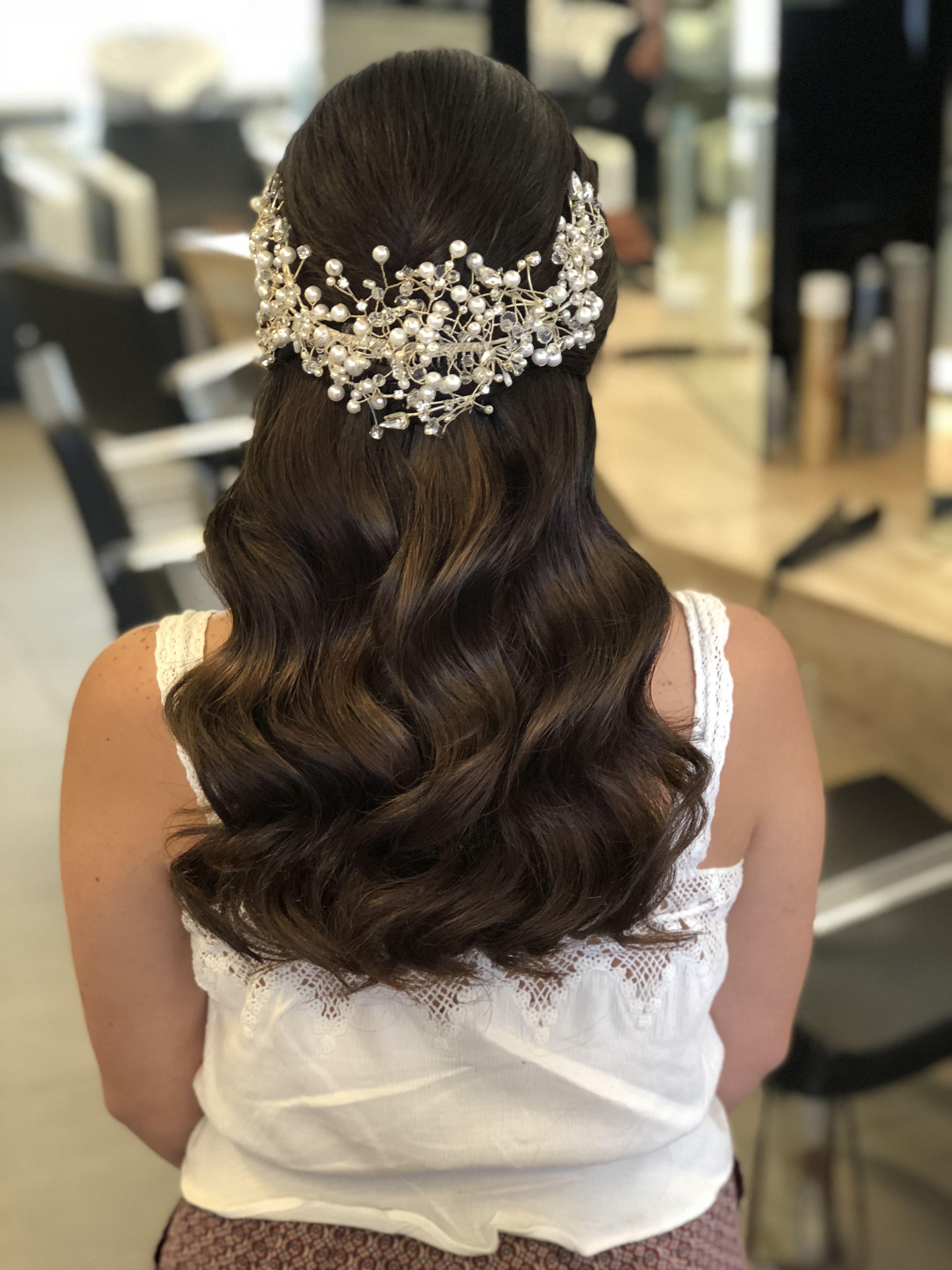 Wedding Hair With Combs Beach Wedding Hair Styles Half Up Wedding Hair Wedding Hair Accessories In 2020 Hair Styles Bride Hairstyles Wedding Hairstyles With Veil