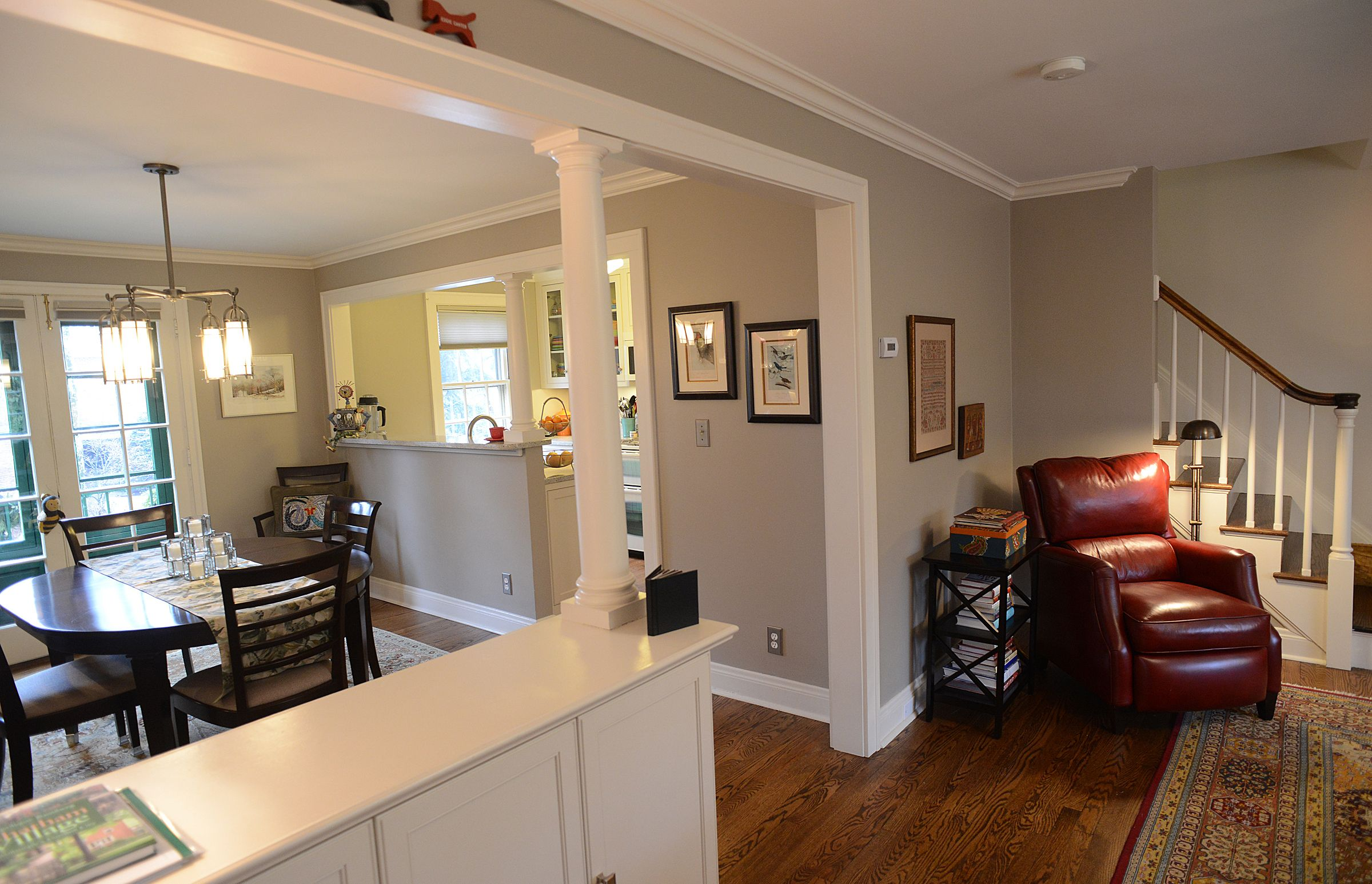 A Half Wall With Single Roman Style Column Divides The Dining Room And Living Giving First Floor Th