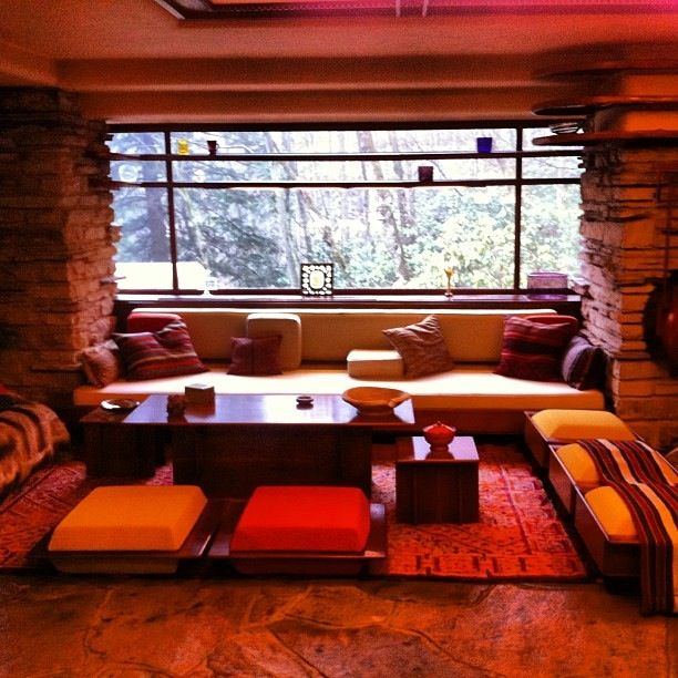 Pin By Darla Lucas On Home Decor Fallingwater Interior Falling Water Frank Lloyd Wright Contemporary House