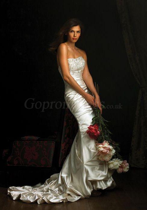 mermaid Beading Bodice picks up zipper back wedding dress - Gopromdress.co.uk