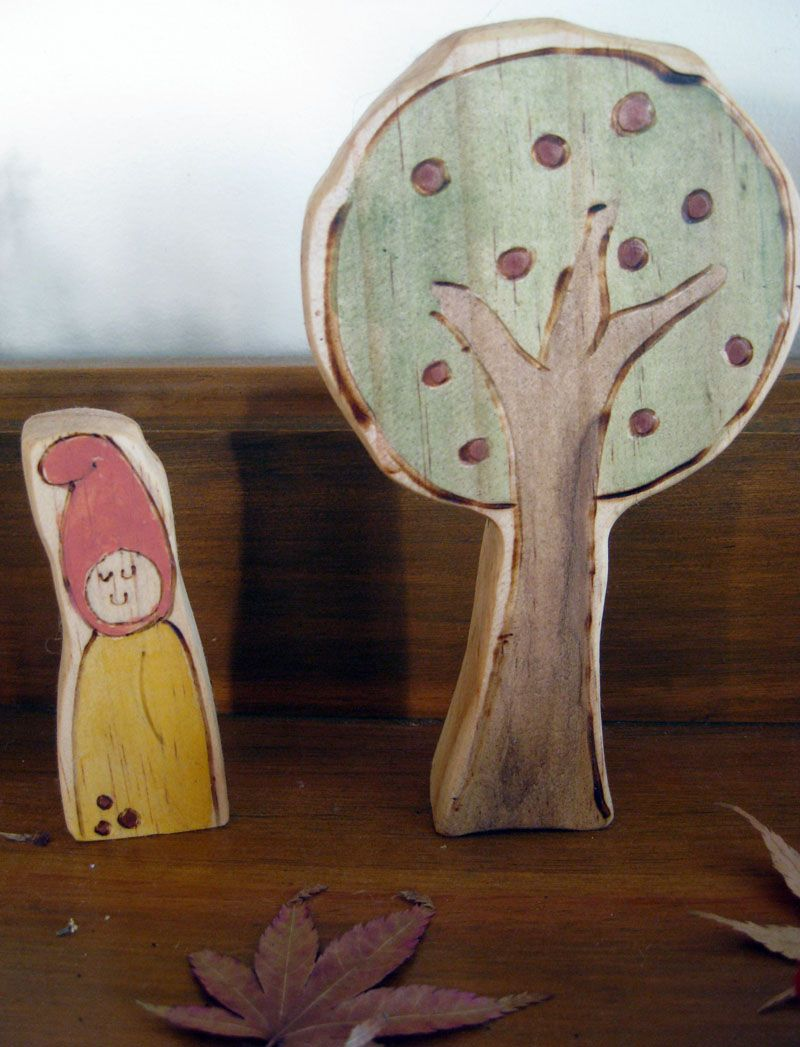 Happy Whimsical Hearts: Our Autumn nature table