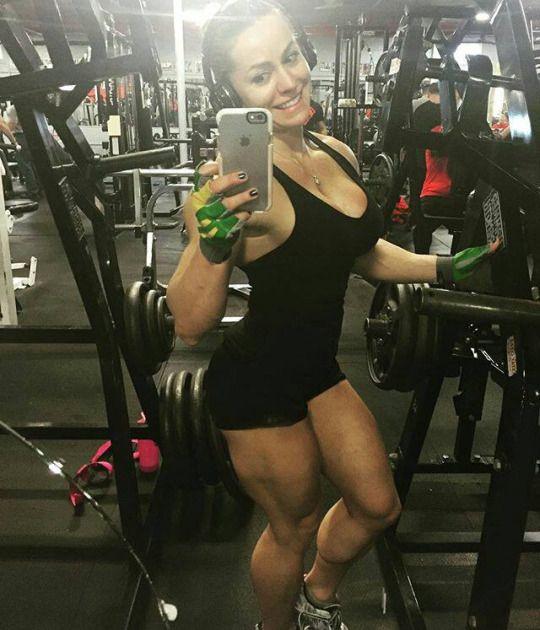muscular-female-calves   Female, Calves, Fit motivation