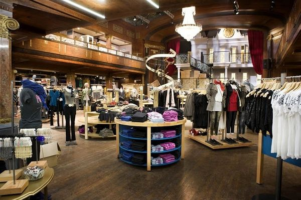 Interior Design Clothing Shop Ideas Modern Decorate With Luxury Style Many Sell Clothes Looks Interesting Dark Brown Coloe And The