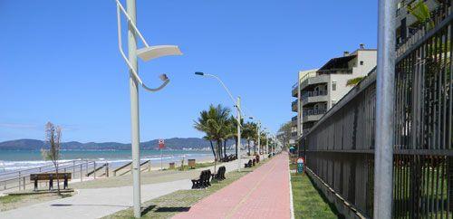 Calçadão Meia Praia - Itapema - SC - Brasil