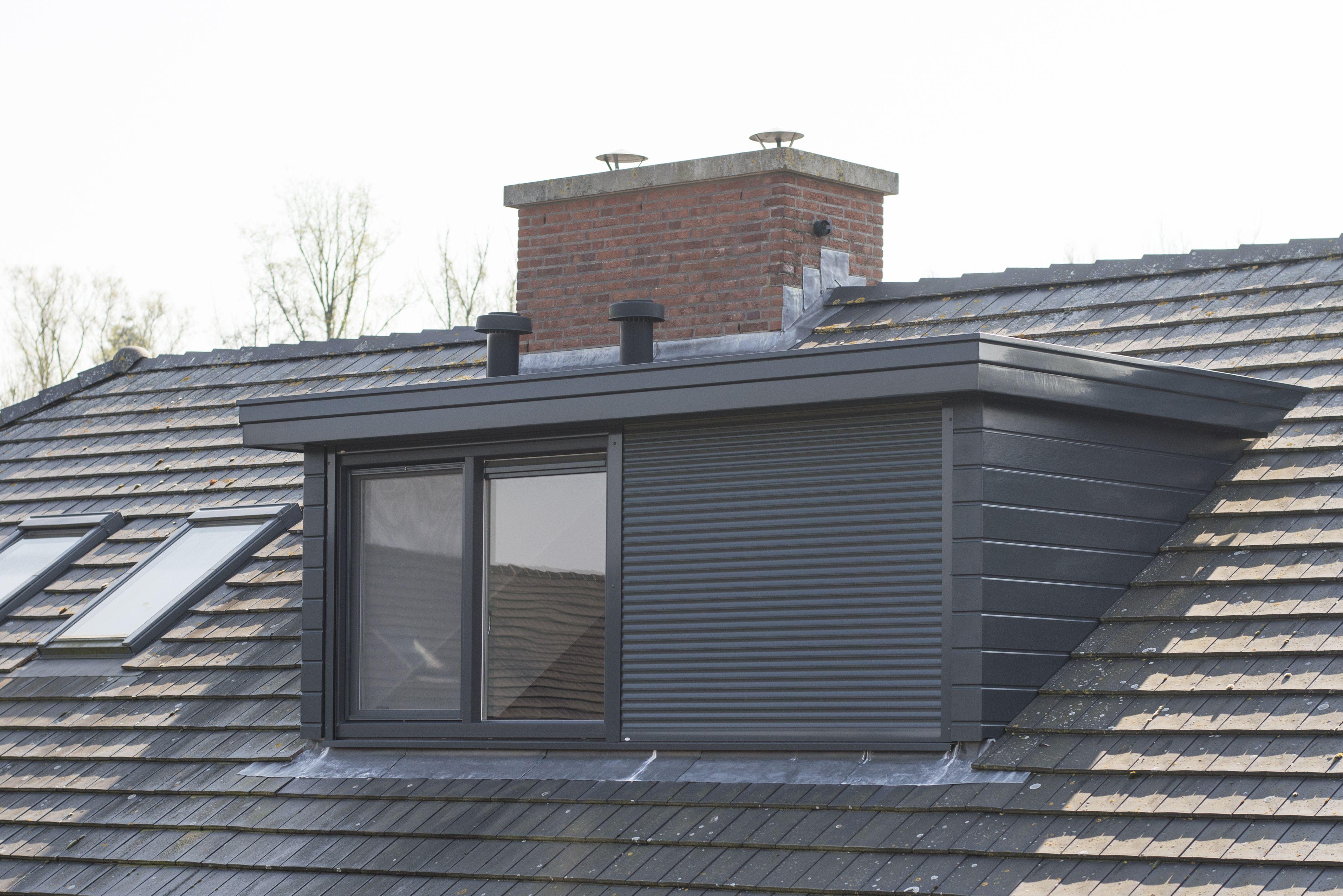 ge ntegreerde rolluiken in een dakkapel extension en 2019 toiture maison et renovation fenetre. Black Bedroom Furniture Sets. Home Design Ideas