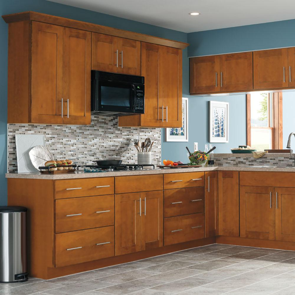 Thomasville Classic Custom Kitchen Cabinets Shown In Transitional Style Hdinsttsdh The Home Depot In 2020 Custom Kitchen Cabinets Kitchen Cabinets Thomasville Kitchen Cabinets