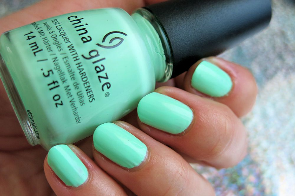 Colores: China Glaze -Highlight Of My Summer- #nails #mint #menta ...