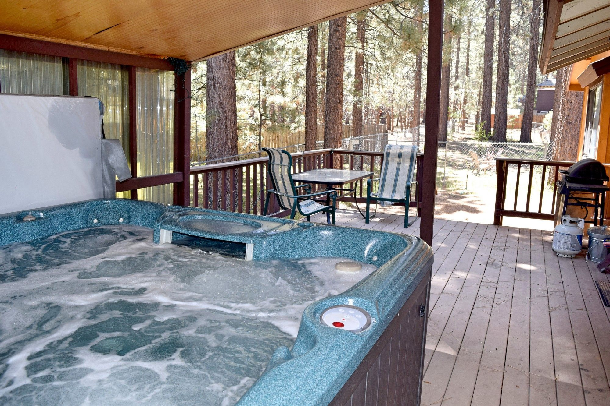 Pet friendly Big Bear cabin rental with hot tub and close