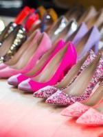 Jenna Lyons shows off her INSANE shoe collection!