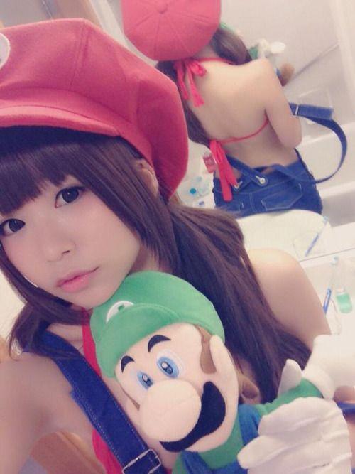 RT @itsuki_akira: ACGHK2日目に参加していました〜! 今日は久しぶりの夏マリオ! 後ろがとても涼しげですた。 http://flip.it/sAtA9