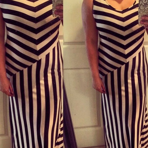 Creme and black dress Beautiful long summer dress , great condition Dresses Maxi
