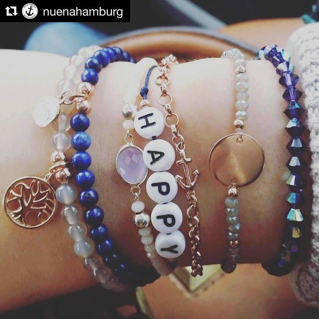 Wunderhübsche #Armbänder bei @nuenahamburg! 💙 #EuropaPassage #EuropaPassageHamburg #ankerarmband #schmuckdesign #gravurschmuck #gravur #perlenarmband #madeinhamburg #fashiongram #ankerliebe #SchmuckLiebe #perlen #hamburgmeineperle #handmade #armswag #buchstabenarmband #Namensarmband #Anker #nuena #nuenahamburg #welovehamburg #instahamburg #schmuck #Handgefertigt #handmade #bracelet #handgemacht #InstaStyle