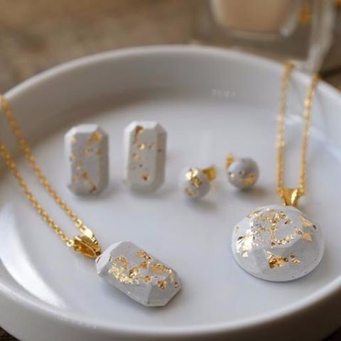 How to make concrete jewelry and more diy gift ideas diyjewelry the best diy projects diy ideas and tutorials sewing paper craft diy best diy ideas jewelry how to make concrete jewelry and more diy gift ideas solutioingenieria Choice Image