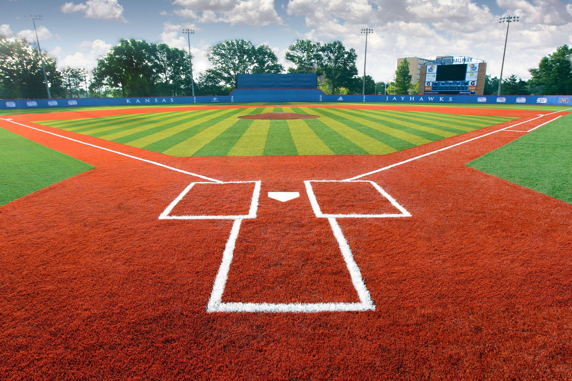 University Of Kansas Hoglund Ballpark 135 003 Square Feet Of Astroturf Gameday Grass 3d Installed In 2010 Astro Turf College Sports Baseball Field