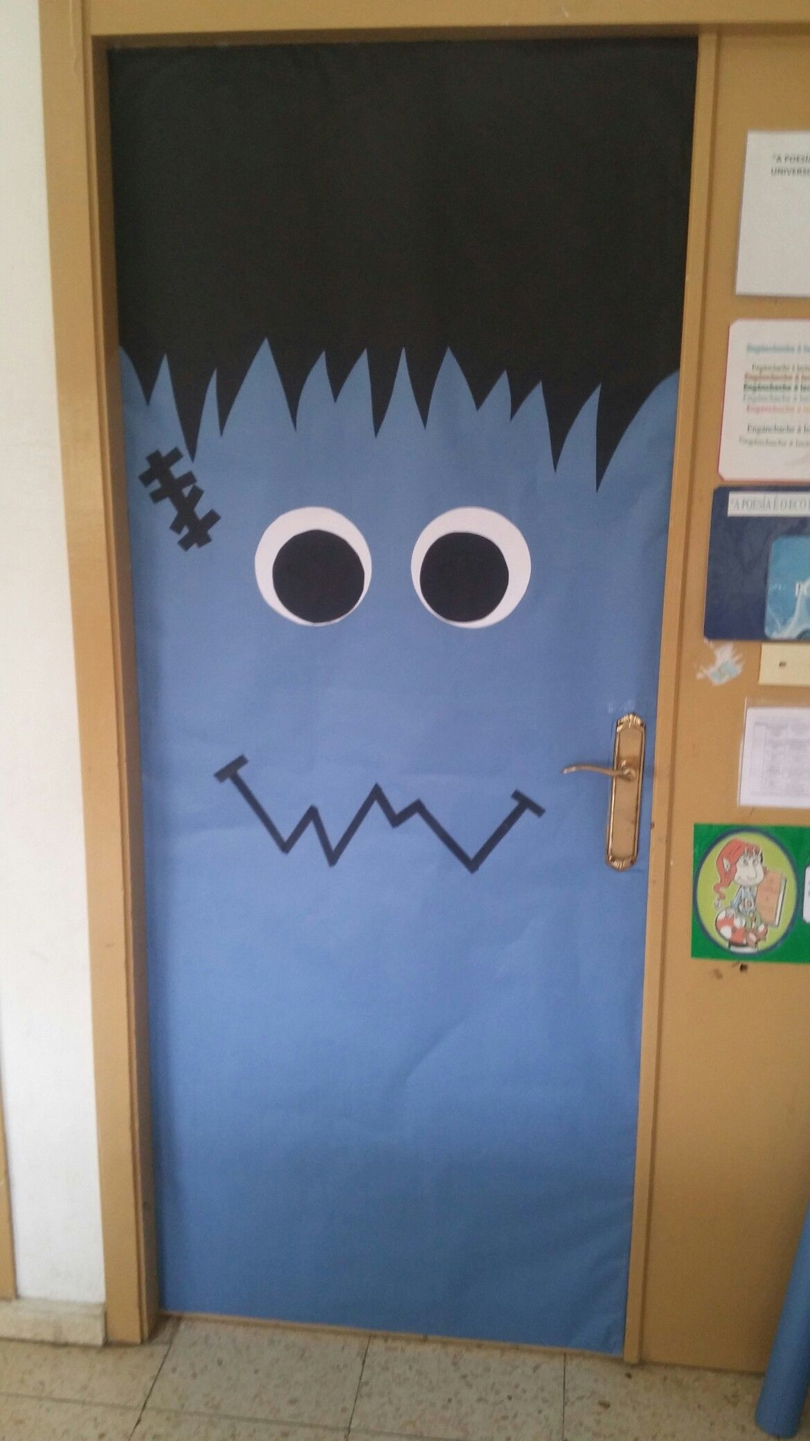 Monstruo azul hallowen Pinterest Halloween classroom door - Halloween Classroom Door Decorations