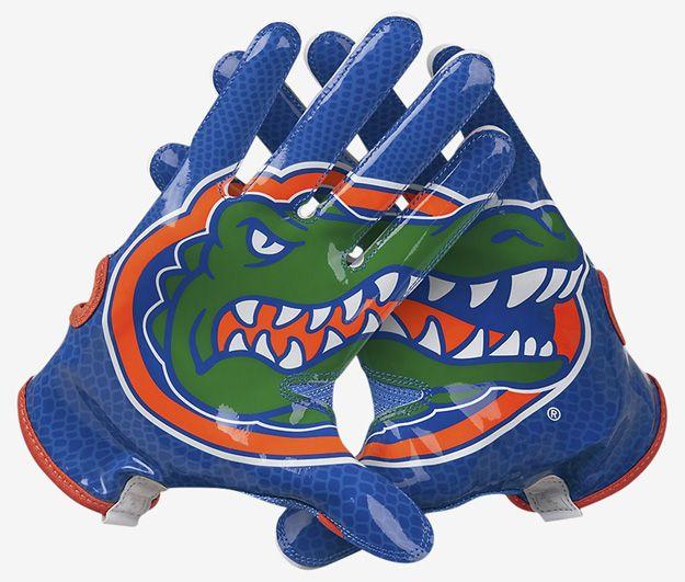 Nike Vapor Knit Gloves for College Football\u0027s Elite