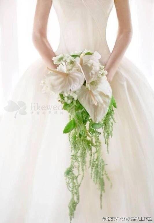 2014年婚礼趋势之瀑布型的美丽 浪漫新娘手捧花 这一波的新娘手捧花