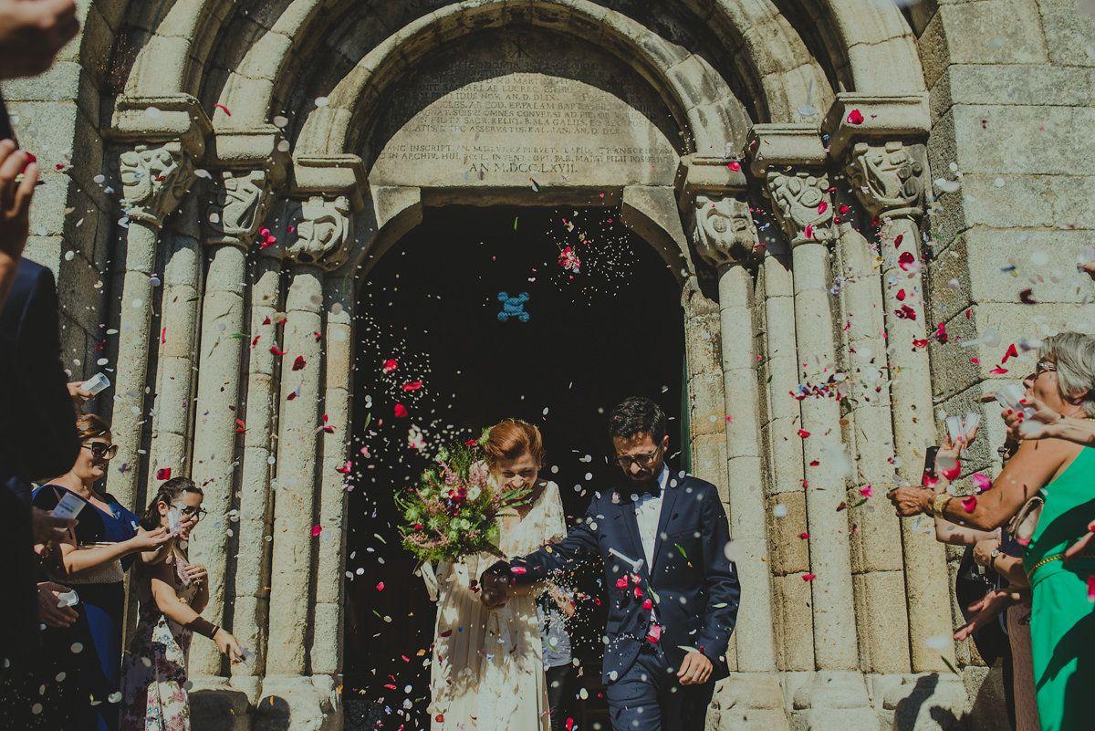 Boho wedding church confetti pilareventos rumooo tstellers