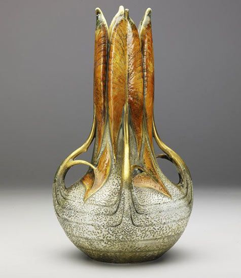 Vase with closed water lily leafs – Paul Dachsel/Ernst Wahliss ca 1911 | JV