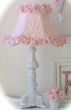 Lamp shade with pink petals roses decoracin de interiores lamp shade with pink petals roses aloadofball Image collections