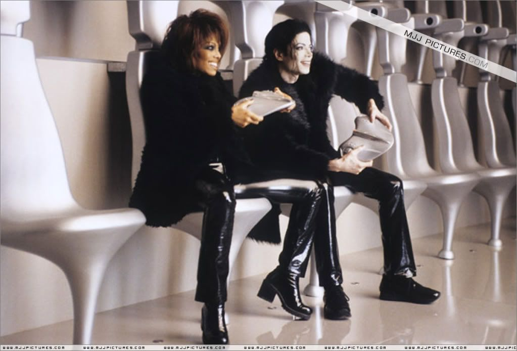 Michael Jackson And Janet Jackson Playin A Game Together In Scream D ...