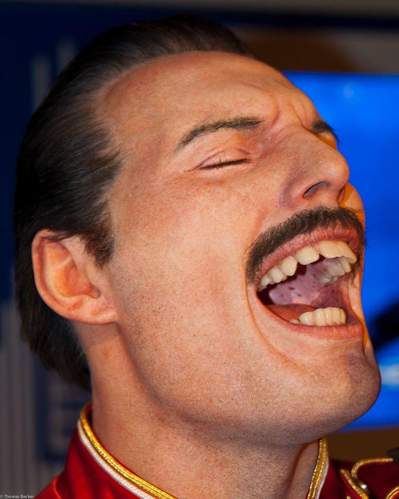 Freddie mercury dientes