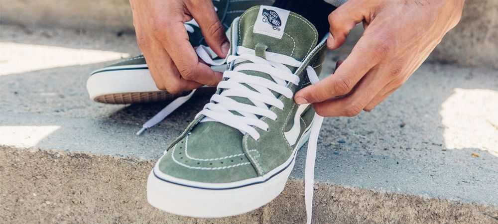 How To Lace Vans Sneakers (The Right Way) How to lace