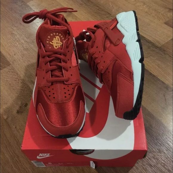 393a94b9146d Nike cinnamon (red) women s huaraches new sz 6 Brand new in box ...