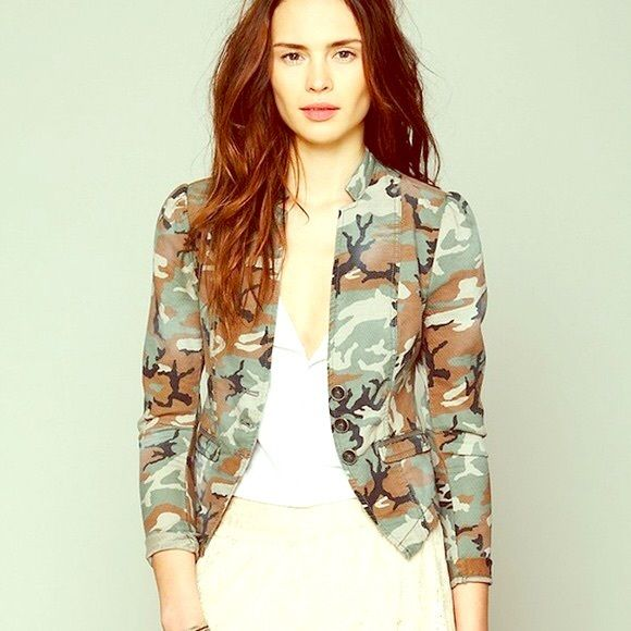 Free People camouflage blazer  Gorgeous blazer to be worn with a pair of jeans and knee high or combat boots! Free People Jackets & Coats Blazers