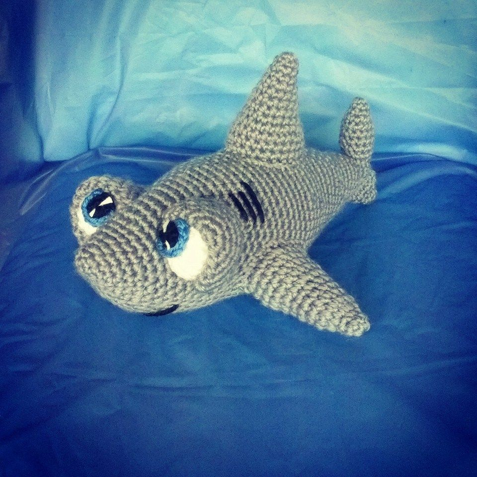 UN SIMPÁTICO TIBURÓN-Free Pattern | Projects | Pinterest | Tiburones ...