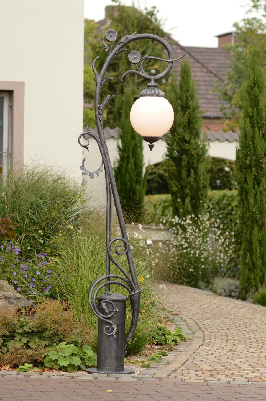 Reverbere Finition Fer Naturel Et Verre Opale Lampadaire Jardin