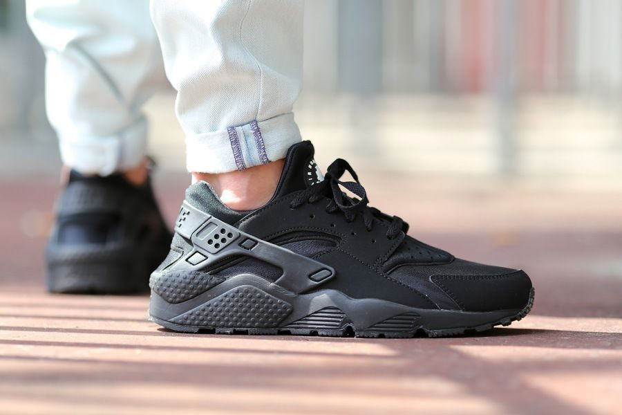 hot sale online 4ef2a d029f New Nike Air Huarache Triple Black Blackout All Black 318429 003 Size 7 11  | eBay
