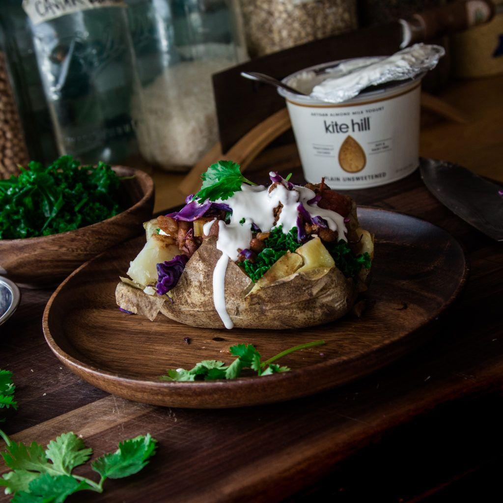Loaded Chili-Gefüllte Gebackene Kartoffeln - Wicked Gesund