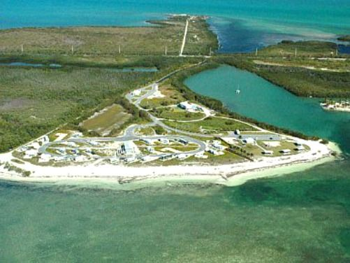 curry hammock state park is a popular florida keys beach destination curry hammock state park is a popular florida keys beach      rh   pinterest