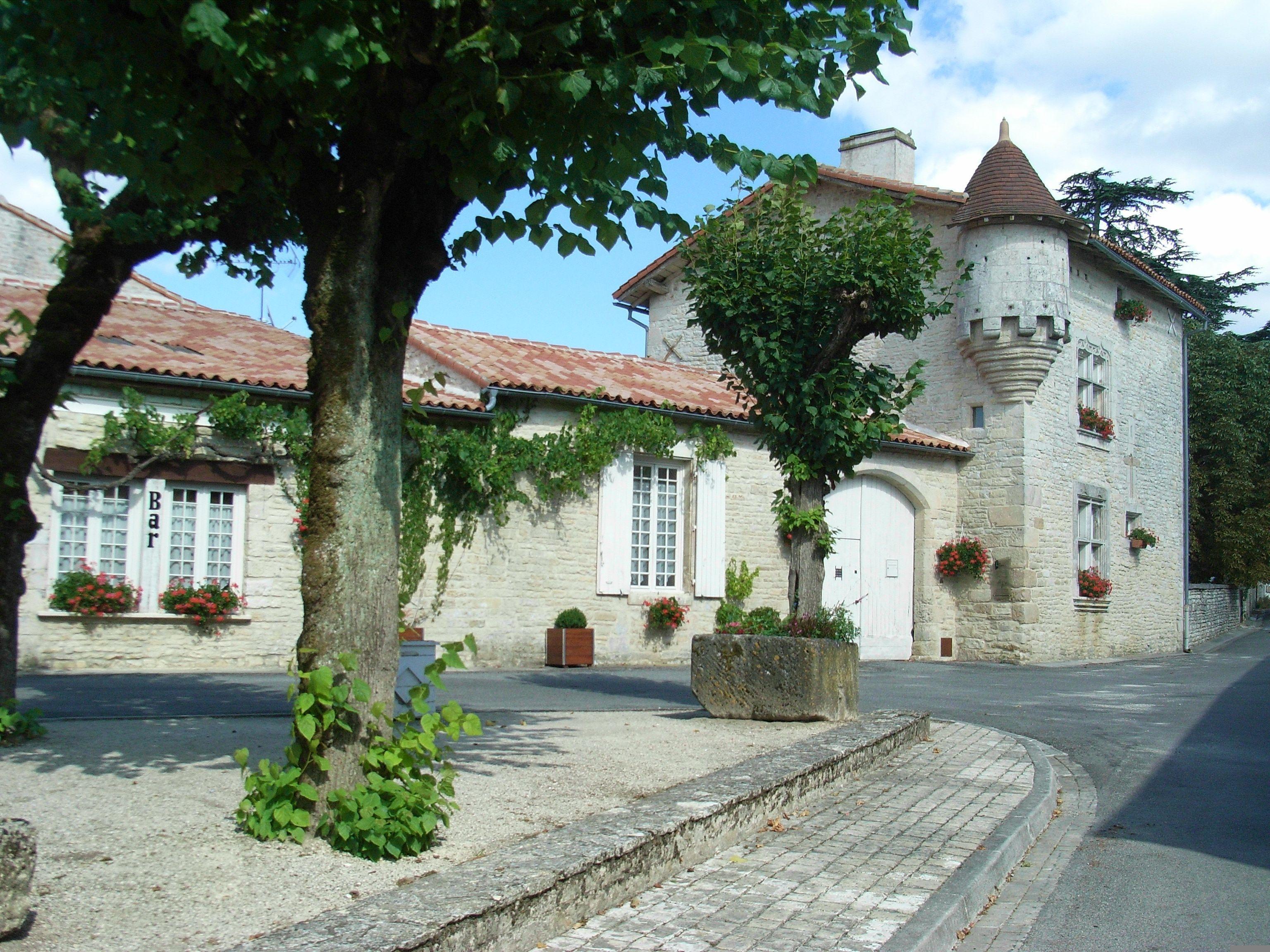 Village De Tusson Gite De France Gite Maison Style