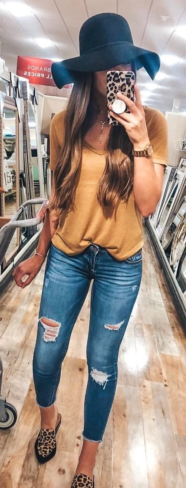 #summer #outfits Snapped A Quick #ootd Pic At Homegoods The Other Day! Can't Walk Past The Full Length Mirror Section Without A Quick Selfie, Am I Right?! 📷💓 #bloggerlife ✌🏼 If You Haven't Heard The #NSale Ends Tomorrow So I'm Linking My Fave Basics Like This $12 Tee That Comes In Diff Colors! I Love The Mustard Color For Fall! 💛 There's Also A Similar Leopard Mule In The Sale This Year (mine Are Last Years Version!) And There's A Few Sizes Still In Stock! 😍🐆 They're On Sale For $65