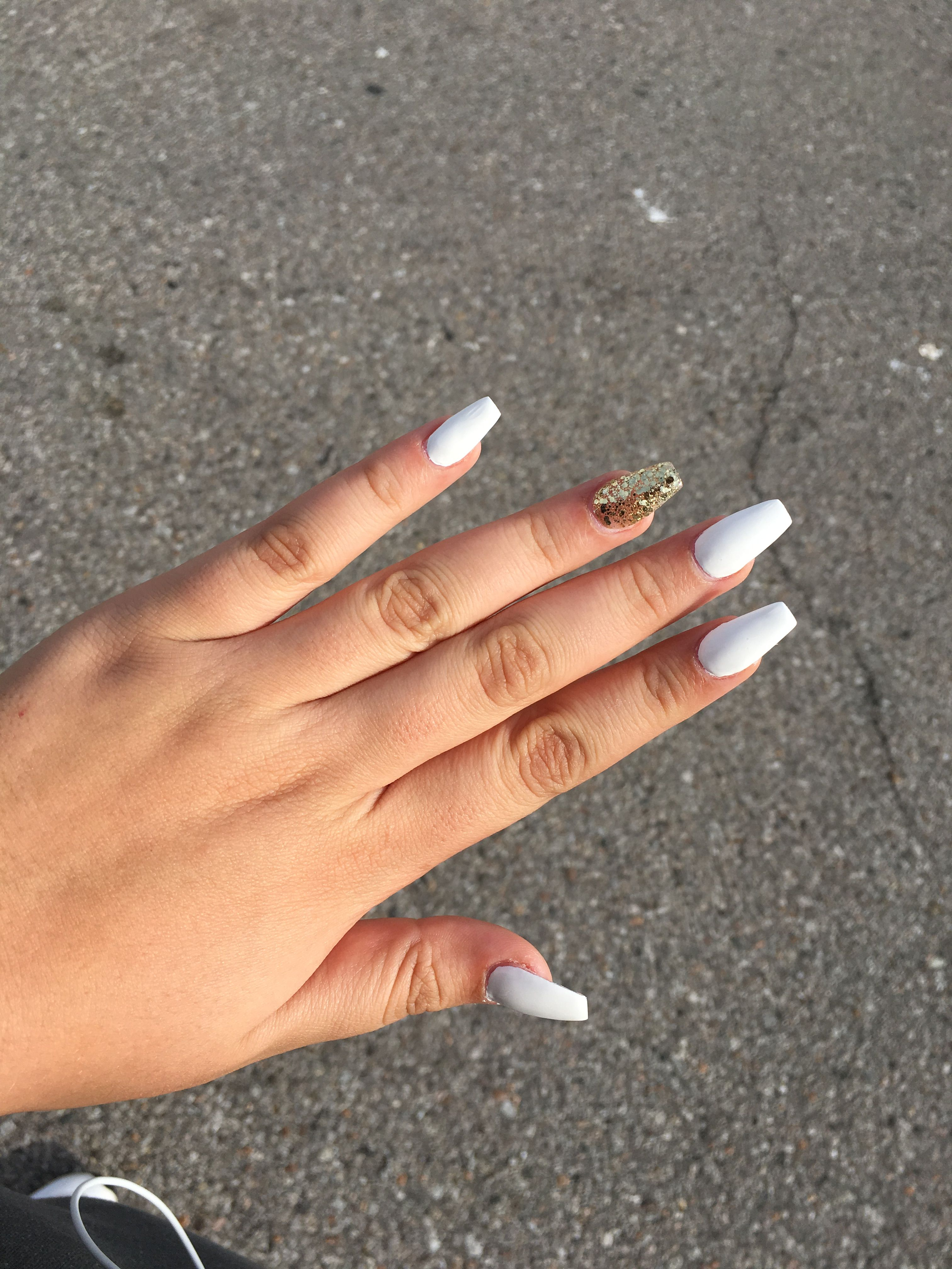 White Coffin Acrylic Nails White Acrylic Nails White Nails With Gold Acrylic Nails Coffin Short