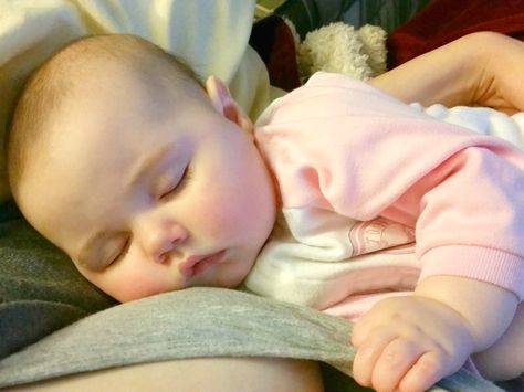 One mom's touching letter to her daughter at the end of their breastfeeding journey & the emotions that go along with weaning from breastfeeding & nursing. | The Mom Friend