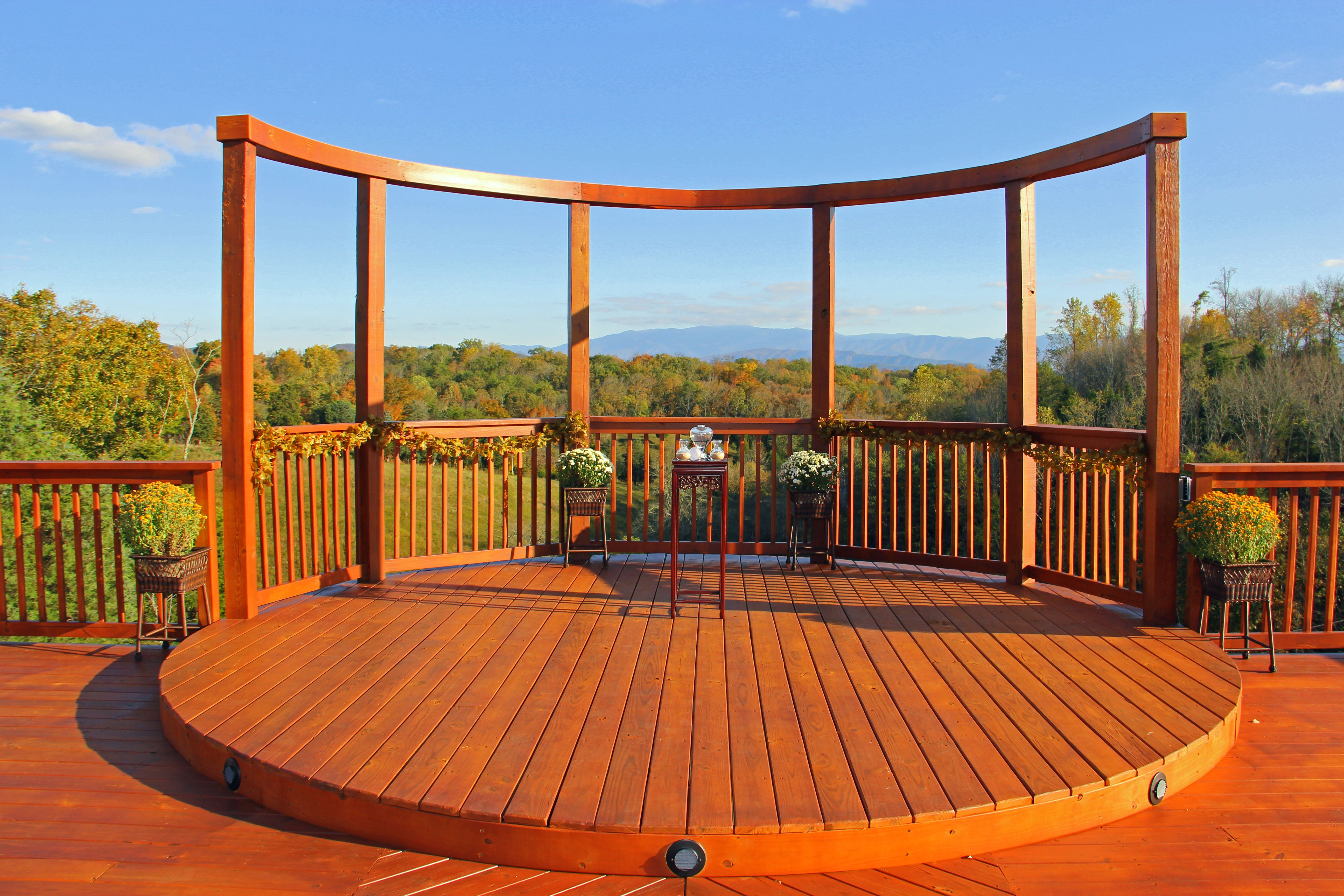 Mountain View Outdoor Ceremony Site In Sevierville Tn Weddings Onsite Receptions Are Provided At Flower This Is A Close Alternative To